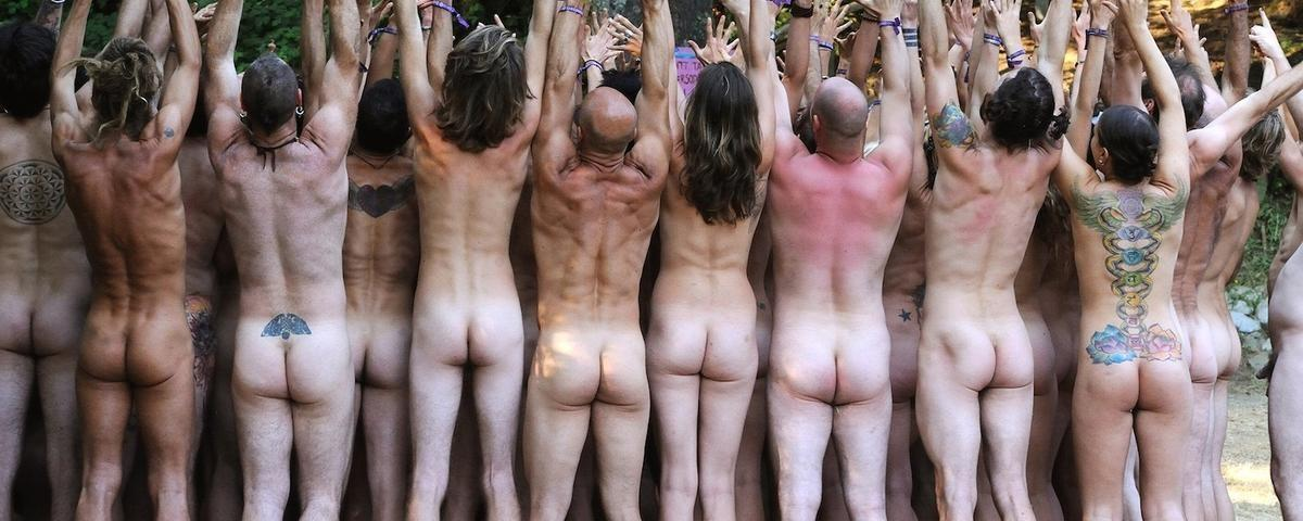 el-loco-y-desnudo-mundo-de-los-neo-hippies-estadounidenses-1463690497-crop_desktop