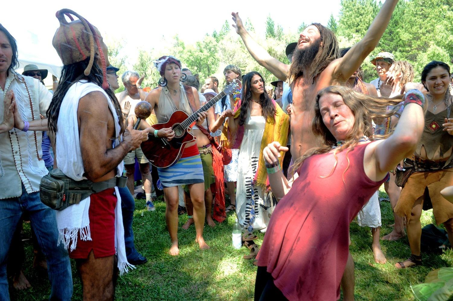 the-naked-ecstatic-world-of-americas-neo-hippies-body-image-1452638393