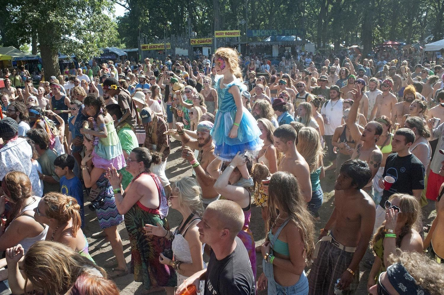 the-naked-ecstatic-world-of-americas-neo-hippies-body-image-1452638448